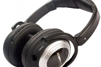 sound canceling headphones