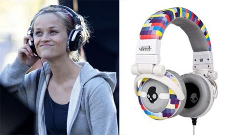 reese witherspoon wearing headphones